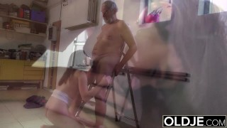 Old man fucks girl his small cock fucks her mouth and pussy
